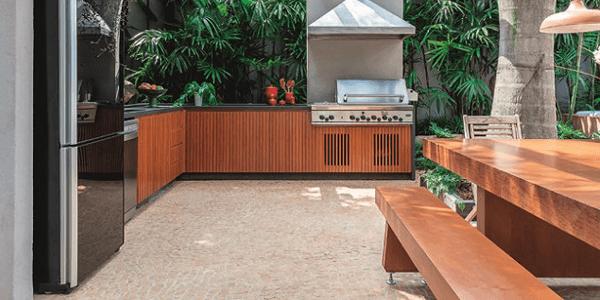 Área Gourmet com piso em Pedra Portuguesa