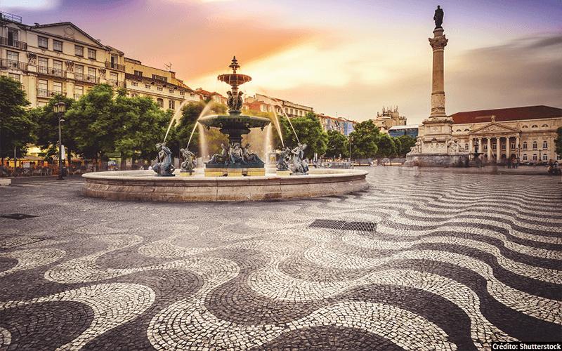 Mosaico Português na Praça do Rossio, em Portugal