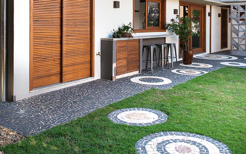 Inspirações de Jardim com Pedra Portuguesa